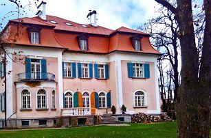 Historická vila v Jeseníkách se snídaní či polopenzí