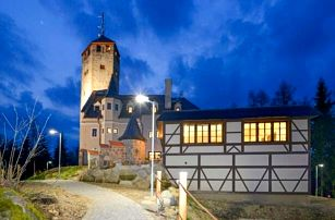 Liberec v blízkosti Zoo i přírody: Hotel Liberecká výšina s rozhlednou, dárkem a polopenzí
