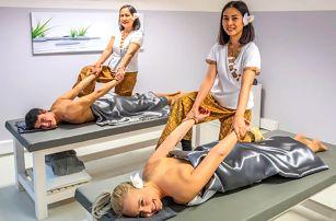 Luxusní hýčkání pro dva: 60min. masáž a soft drink
