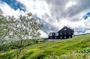 Krkonošský pobyt v chatě Malá Rennerovka s polopenzí a saunou
