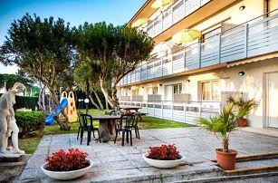 Itálie, Lignano   Villa Yachting*** – termíny mimo hl. sezónu   Dětské hřiště   Strava vlastní   Autobusem