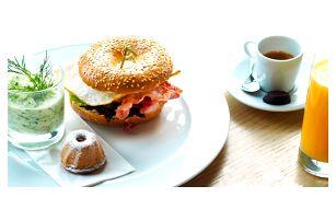 Snídaně v Žižkovské věži a vstup na vyhlídku