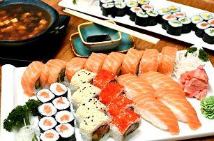 Nabité sushi sety přímo v srdci Prahy: 24–72 rolek