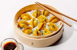 14 nebo 28 jiaozi čínských knedlíčků: různé náplně