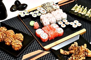 Až 50 ks sushi i gyoza taštičky a rýžové kuličky