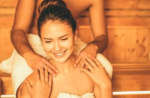 Romantika pro dva: wellness s láhví sektu i masáží