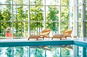 Dovolená přímo u Lipna: Resort Orsino s neomezeným bazénem, polopenzí a 30% slevami na vířivku či masáže